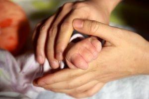 baby-hand-847819_960_720